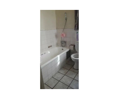 Room to rent available in a 2 bedroom flat