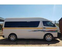 Toyota Quantum 2.7 VVT-I Sesfikile 16-seater Bus